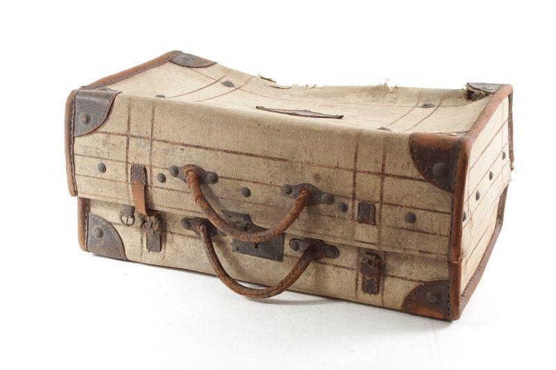 sch ner alter koffer deko old vintage ebay. Black Bedroom Furniture Sets. Home Design Ideas