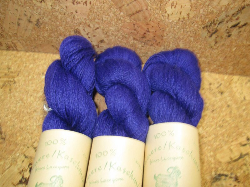 100/% feinste mong Kaschmir Wolle Cashmere Lace handgefärbt royalblau