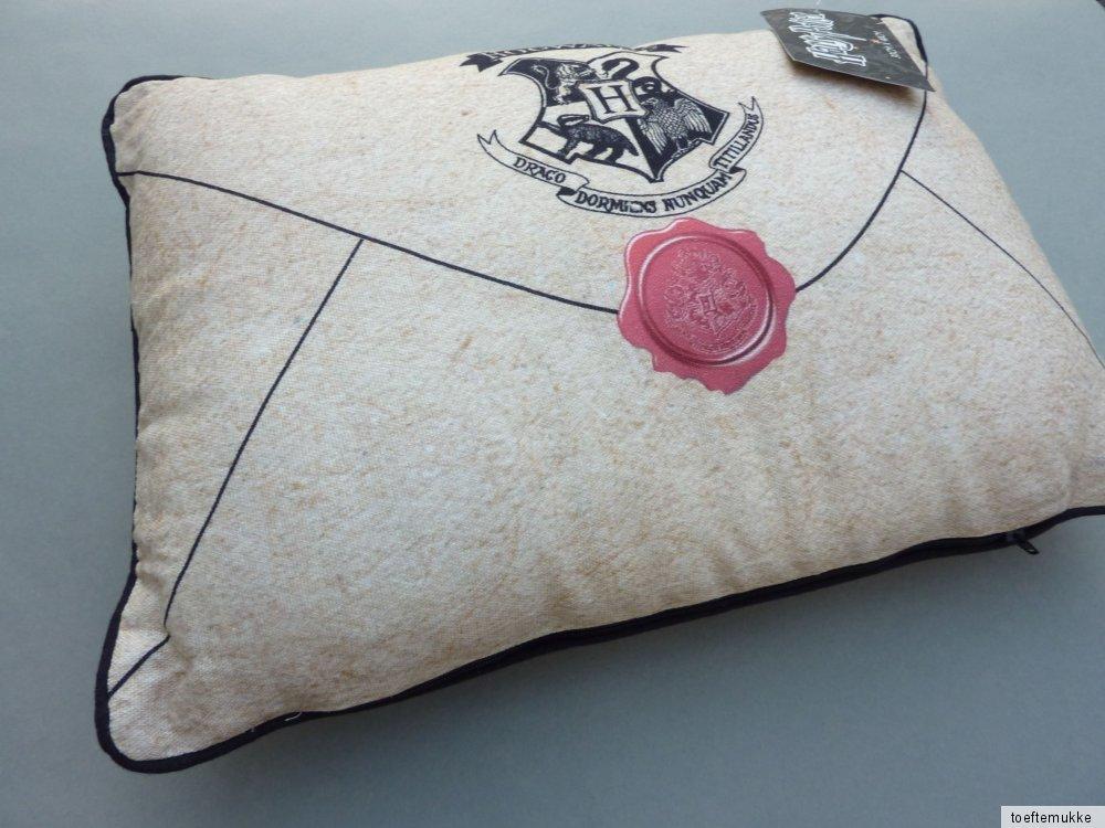 neu harry potter kissen hogwarts brief letter dekokissen. Black Bedroom Furniture Sets. Home Design Ideas