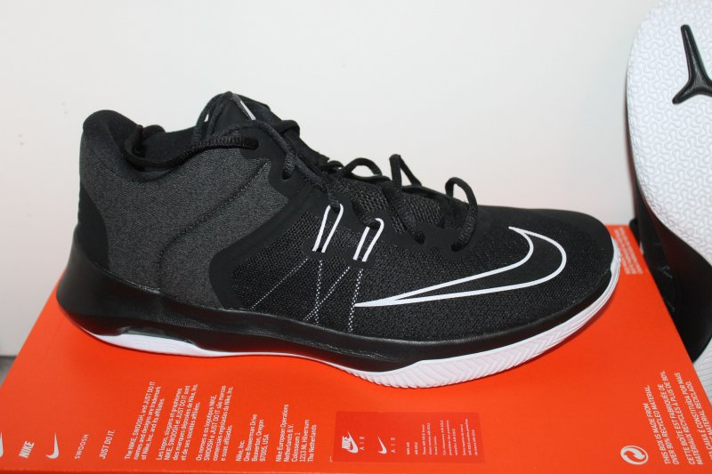 best sale classic shoes sports shoes Details zu Nike Air Max Versitile II Herren Schuh Schwarz Weiß Grau Größe  45,5 US 11,5 Neu