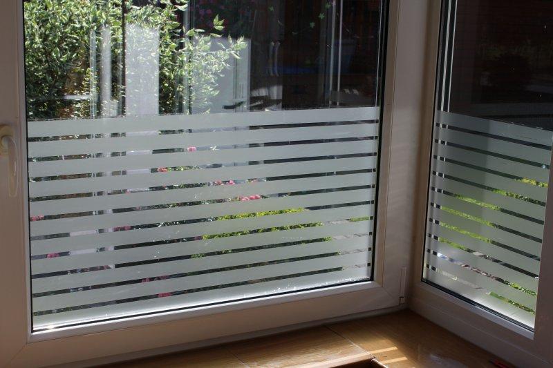 13 85 m milchglas sichtschutz fenster folie stratos streifen design 2m x 61cm ebay. Black Bedroom Furniture Sets. Home Design Ideas