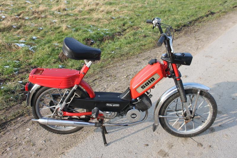 solo moped 713 50km h eingetragen weitestgehend sch ner zustand l uft ebay. Black Bedroom Furniture Sets. Home Design Ideas