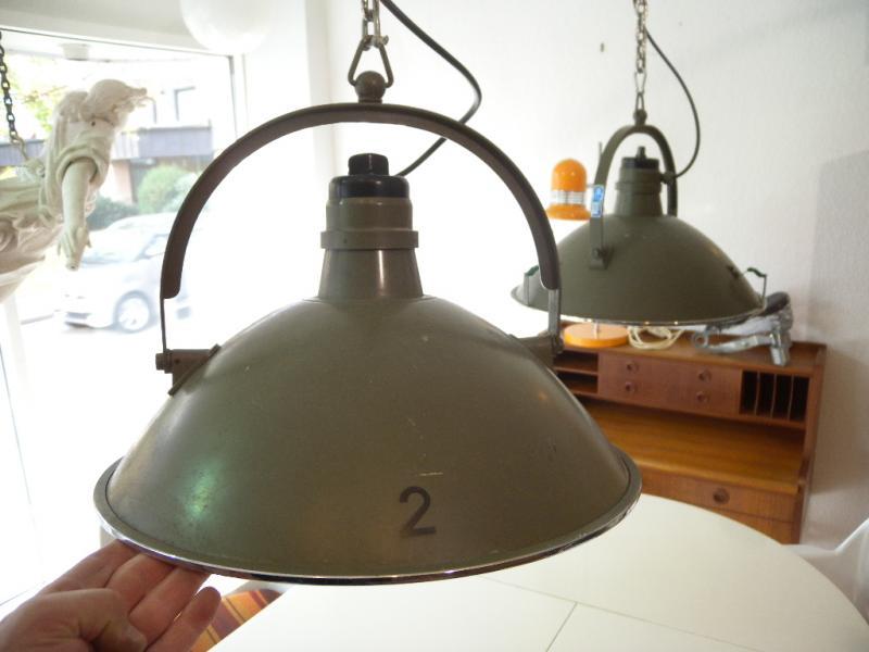 Industriedesign bag turgi swiss milit r werkstattlampe for Design lampen nachbau
