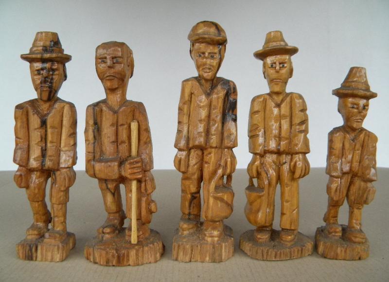 Original Holz  Handwerkskunst aus dem Erzgebirge Biedermeier Figuren 4tlg