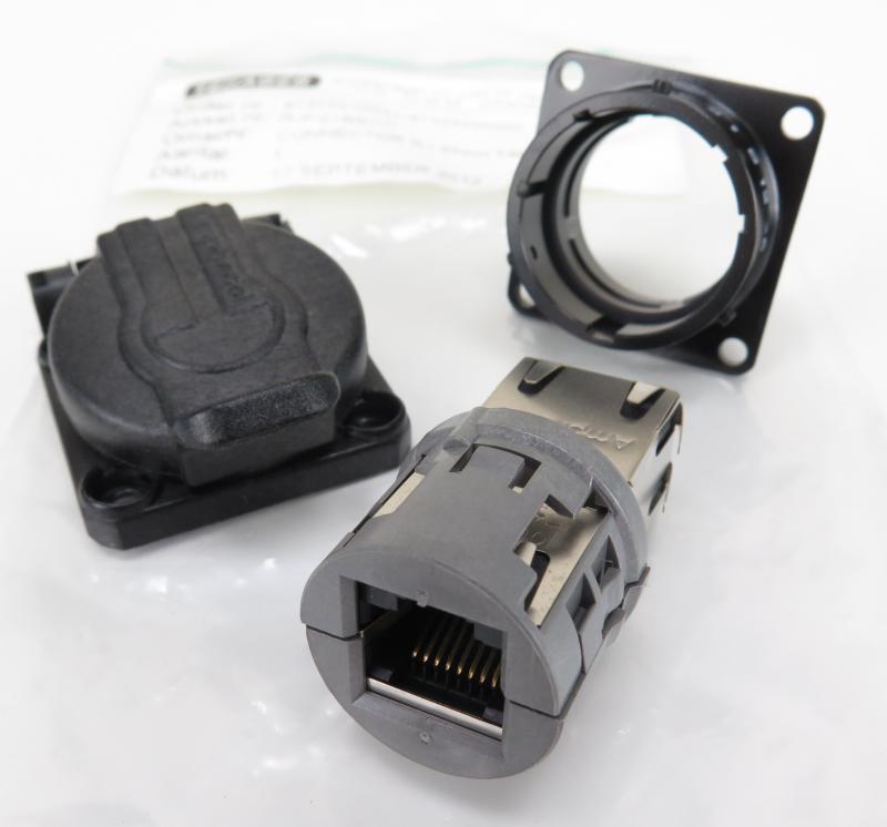 Amphenol  XLR NC5FX Cable Connector Female 5 Pole NEU 1 Stück